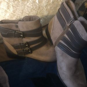 Shoes - Super Cute Ankle Boots